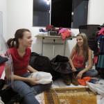 VLOG – Arrumando as Malas + Mini Tour pelo nosso Cantinho de Makes no Brasil