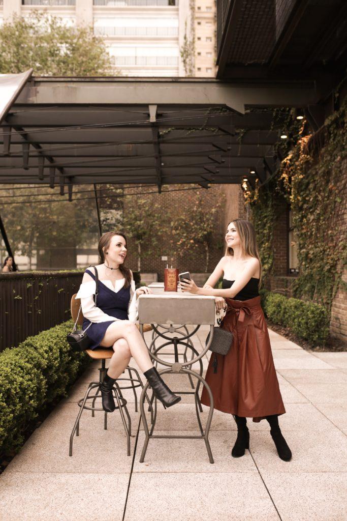 Carol e Thaís no Shopping Cidade Jardim